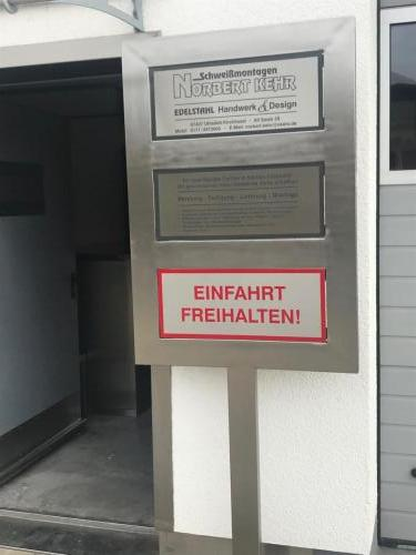 Firmenschild