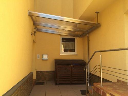 Terrassenüberdachung Edelstahl-Stegplatten