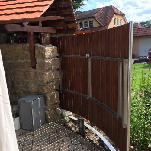 Wind-und Sichtschutz Schiebeelement habrund Edelstahl-Holz
